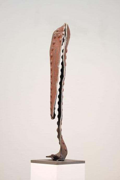 """Sprung"" Nr. 03-2015, 30 x 110 x 30 cm, Stahl auf Plinthe"