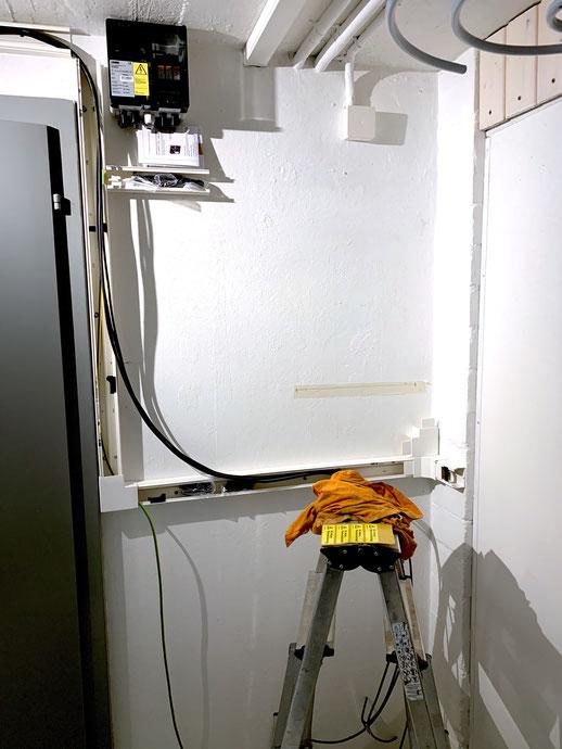 Installationsvorbereitungen für Wechselrichter und Batterien
