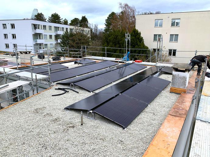 Montage und Verkabeln der Solarmodule