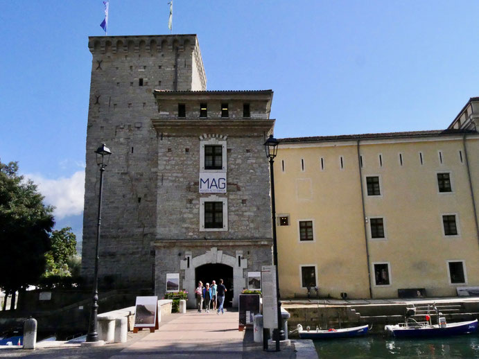 Riva am Gardasee, Die Turrita Burg aus dem 12. Jahrhundert, beherbergt Museum und Ausstellungen