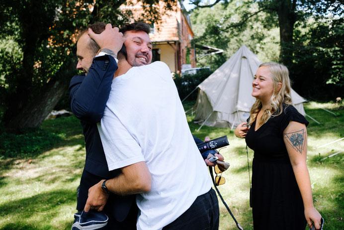 Altmark Hochzeit, Thomas Sasse, Hund, Hochzeitsfotograf Magdeburg, Stendal, Roexe, Tangermuende, Hochzeitskleid