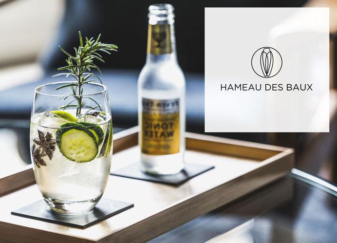 Le bar du Hameau des Baux à Paradou