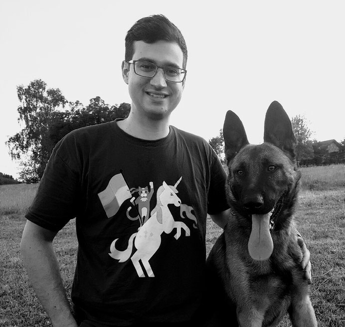 Mathias Baier mit Hund , T-shirt Ninja Cat on a Unicorn