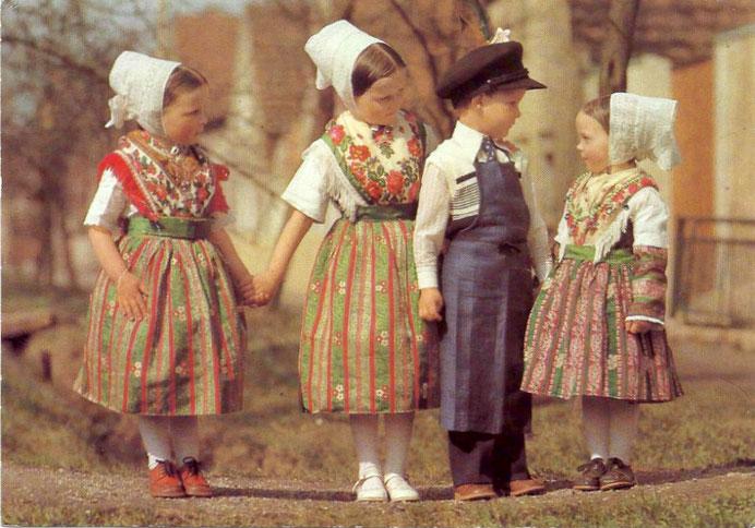 Hoyerswerdaer Tracht Postkarte Kinder Bild: Steffen Lange