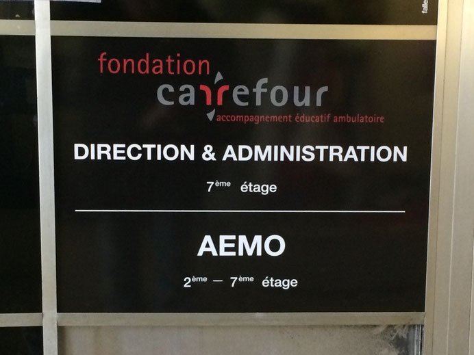 Signalisation professionnelle à La Chaux-de-Fonds, Lausanne, Berne, Bâle et dans toute la Suisse à un prix abordable