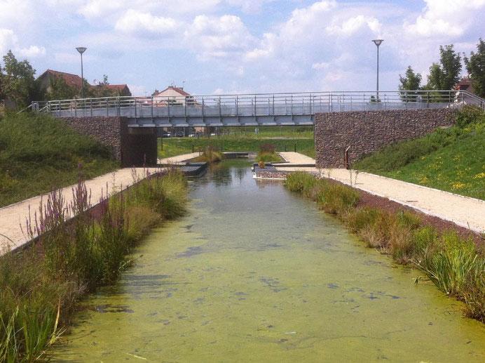Ouvrage d'art en béton armé - soutènement et mur poids pour la construction d'une culée de pont