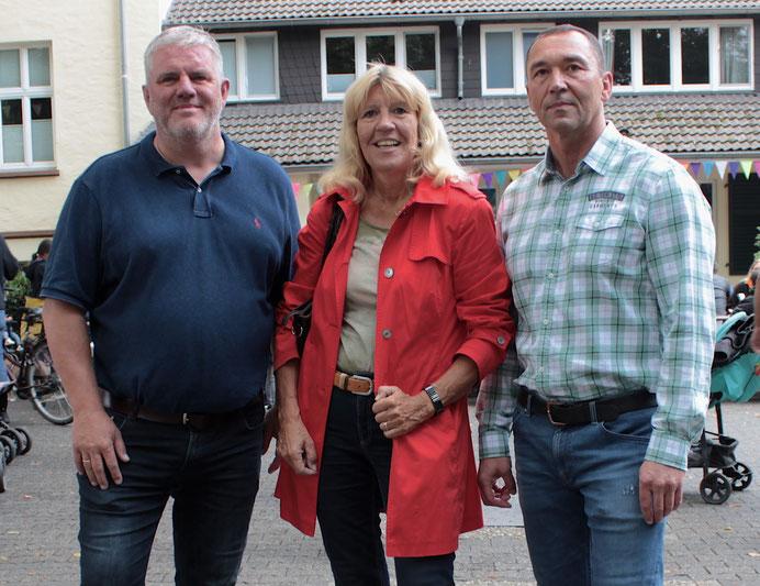 v.l.: Jens Lüdert (Einrichtungsleiter), Frau Bürgermeisterin Gisela Klaer und Lucian Bartels (stellvertr. Einrichtungsleiter)