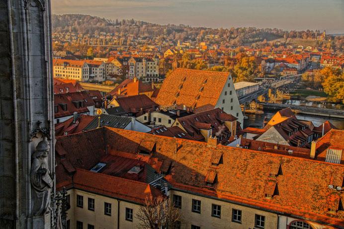 Blick vom Dom St. Peter über die Dächer der Regensburger Altstadt, Foto: www.pixabay.com