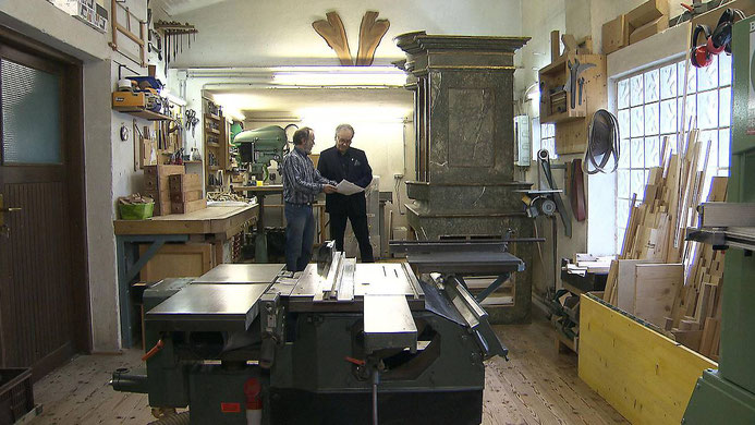 Wolfgang Karner restauriert in seiner Werkstatt die Orgel ©ORF