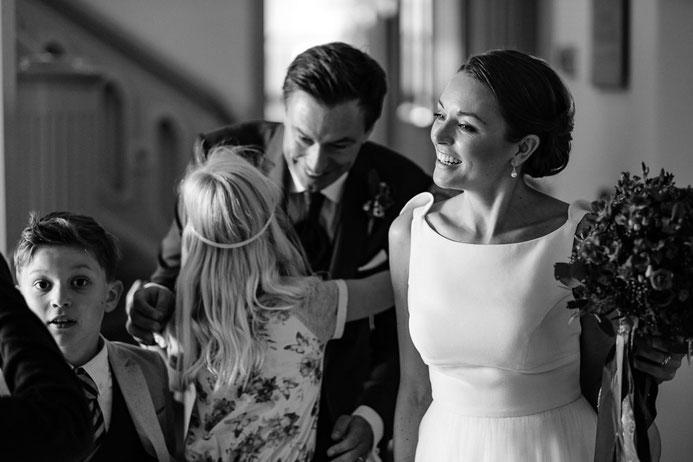 Hochzeitsfotograf Thomas Sasse aus Magdeburg Kirche Gottesdienst Hochzeit Annika und Marcus Schlosshotel Muenchhausen