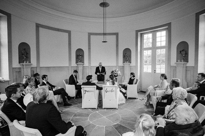Hochzeitsfotograf Thomas Sasse aus Magdeburg Trauung Hochzeit Schlosshotel Muenchhausen