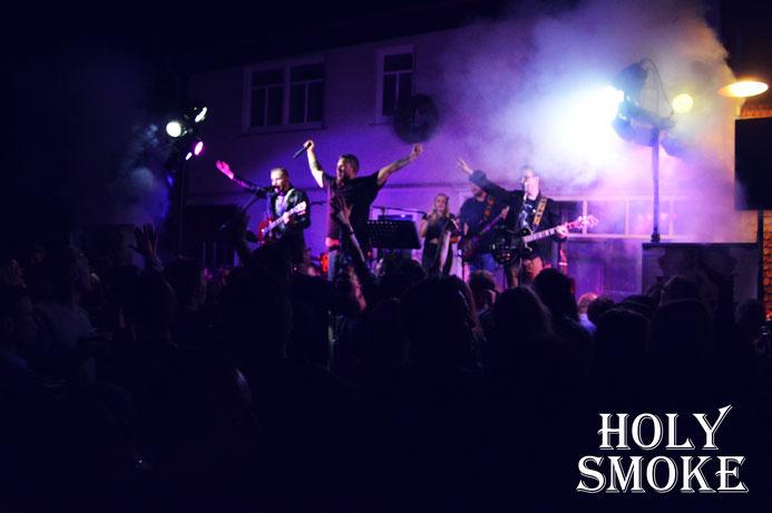 Holy Smoke Rock Coverband beim Altstadtfest Salmünster 2019. Partyband und Hochzeitsband in Hessen.