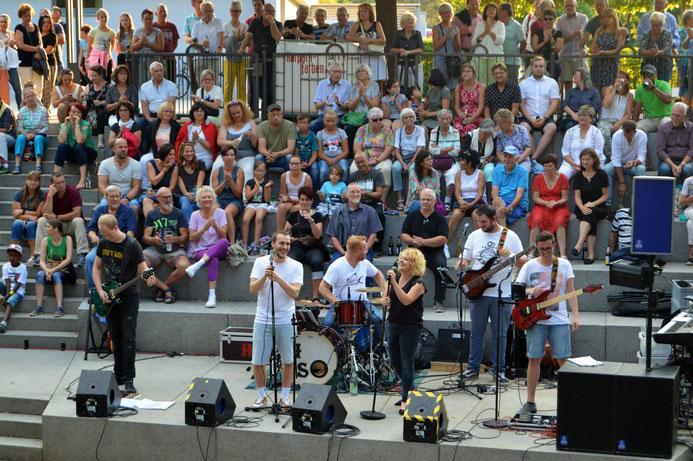 Holy Smoke Rock Coverband Wasserspiele Bad Soden 2018. Partyband und Hochzeitsband in Hessen.