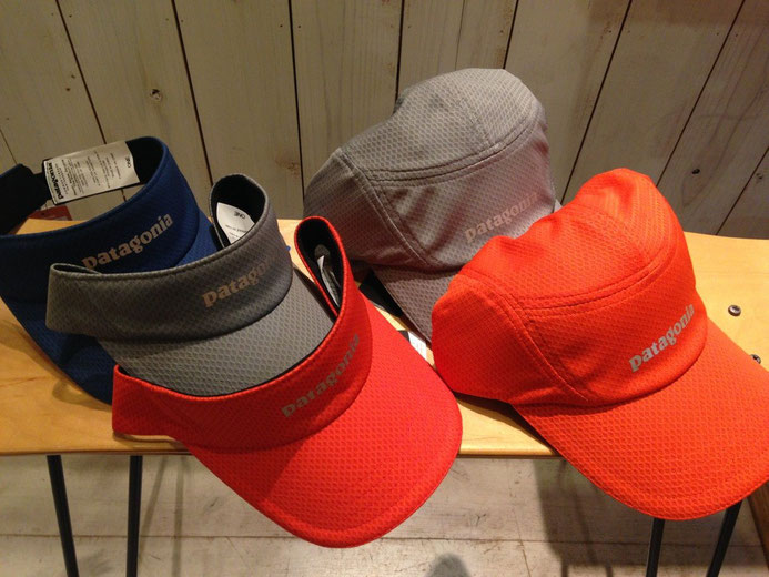 左 Air Flow Visor各¥2910 右Air Flow Cap各¥3780