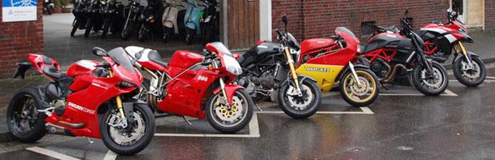 Wir bieten alle Service- und Reparaturarbeiten an Ducati Motorrädern zu bezahlbaren Preis an. Unsere Meister-Werkstatt ist dazu mit allen notwendigen Ducati-Spezialwerkzeugen ausgestattet.