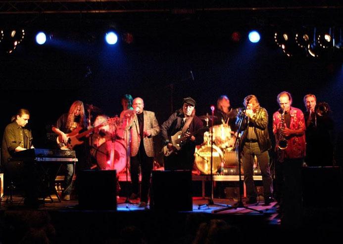 NC Brown Blues Band auf der Bühne