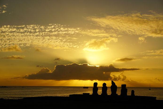 Sonnenuntergang, Osterinsel, Moai