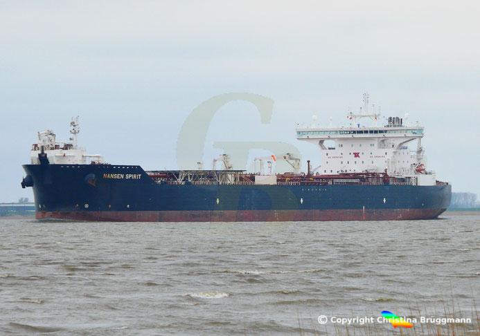 """Shuttle-Tanker """"NANSEN SPIRIT"""" auf der fahrt nach Hamburg 07.04.2015"""