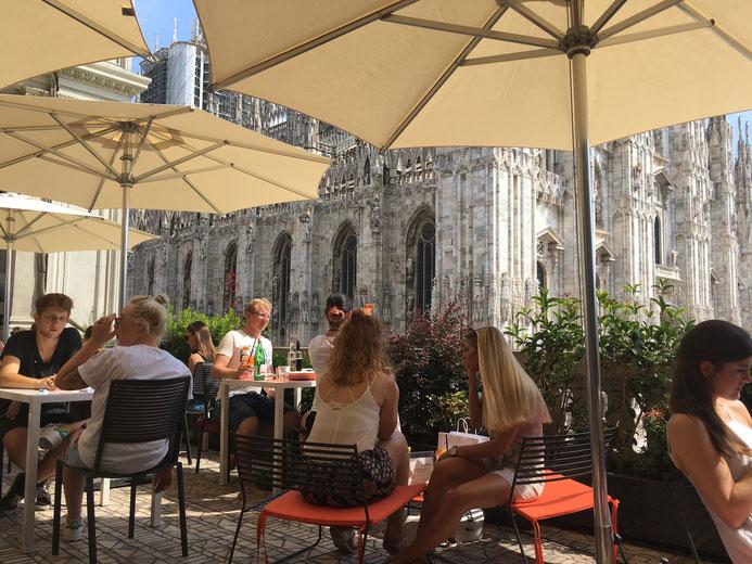 Aperol bar Milano