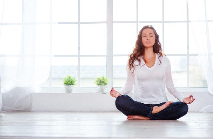 Versuch es mal mit Yoga und Meditation