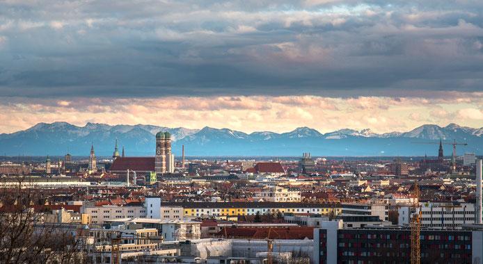 Múnich y al fondo los Alpes