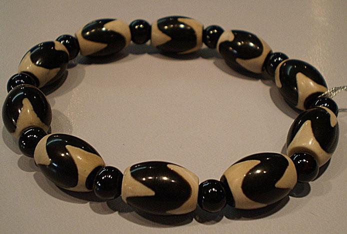 天珠(メノウの一種) 黒色