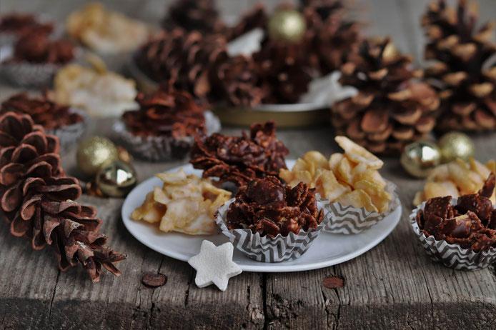 Cornflakeskekse mit heller und dunkler Schokolade