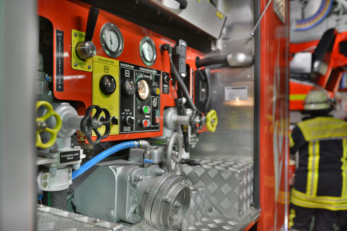 Bedienstand vom Tanklöschfahrzeug (TLF 24/50)