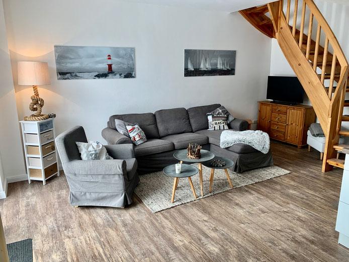 """Ferienwohnung """"Leuchtfeuer"""" mit gemütlicher Couch, renoviert in 2021"""