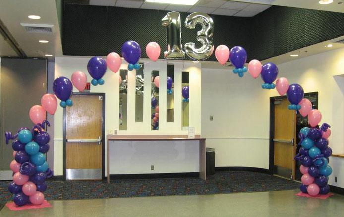 arco de globos especial con helio y globos metálicos