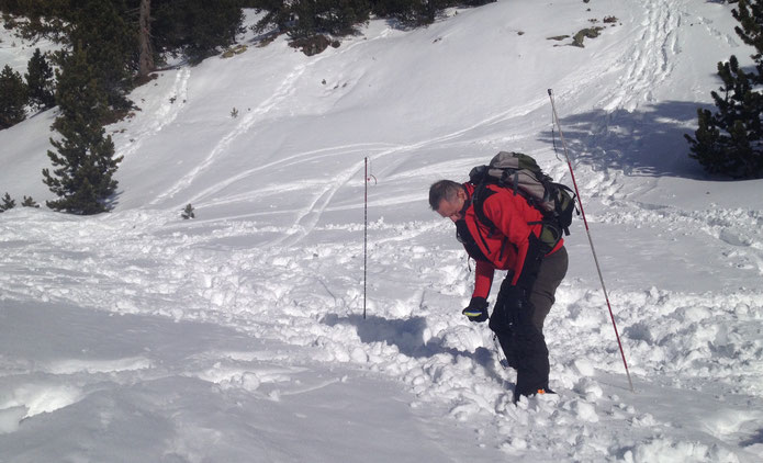 Avalanche transceiver training at Chamrousse