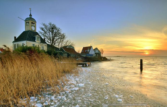 70. Durgerdam onder winterse omstandigheden