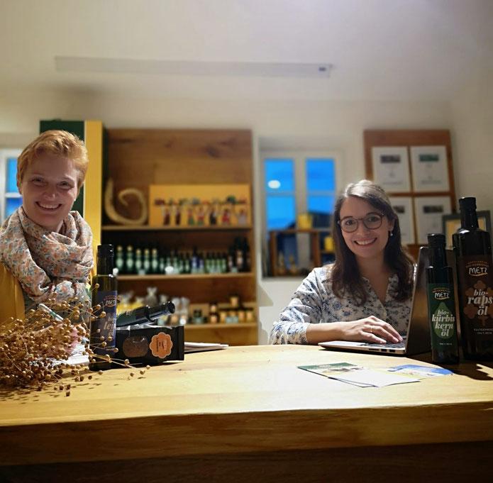 v.r.n.l.: Karin Metz und Martina Brunnmayr