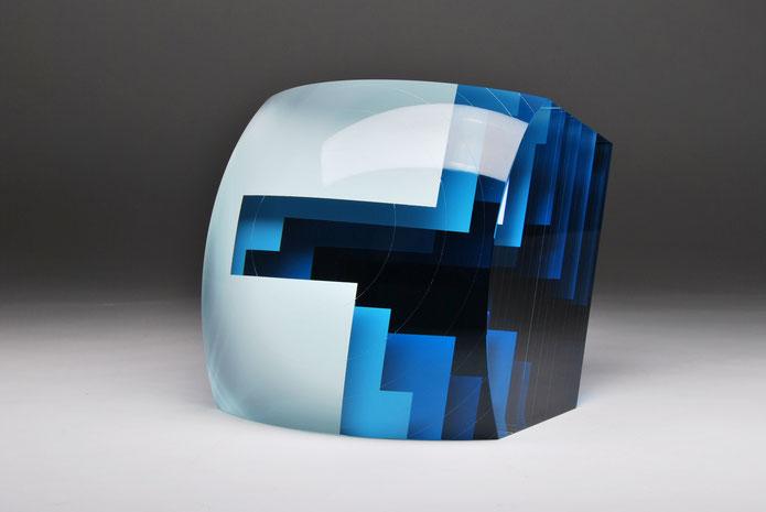 Gap II. | cut, grindedm, hand polished glass | 20 x 20 x 12 cm | 2015 | ●