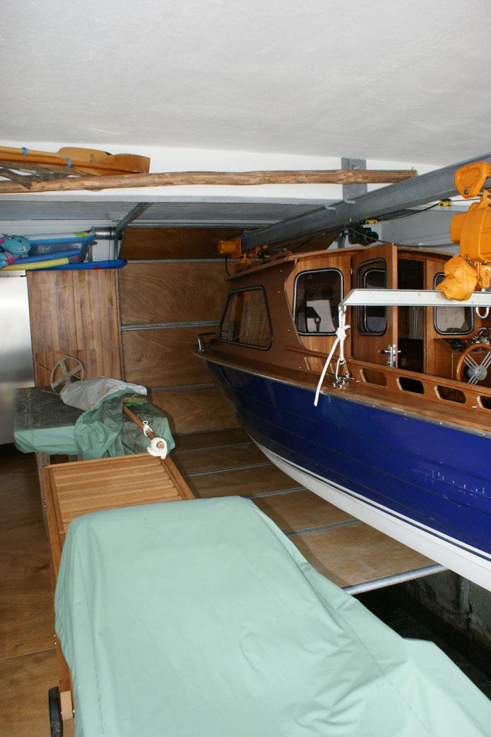Bodentor für Bootskran