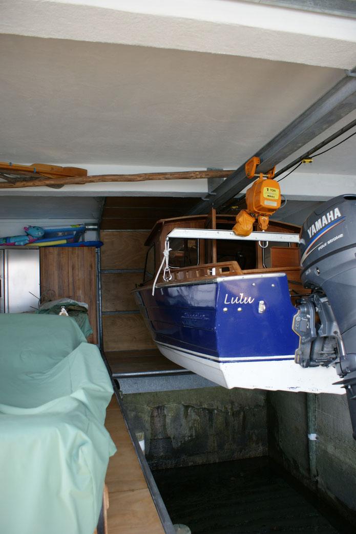 Bodentor für Bootskran - offen