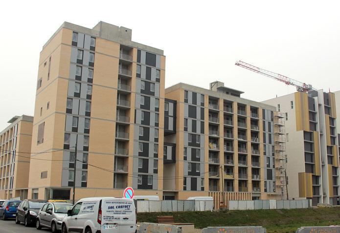 """Vue des bâtiments en construction du projet """"Aux Quatre vents"""" de l'écoquartier de la Cartoucherie, Toulouse"""
