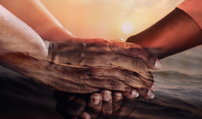 Reichende Hände