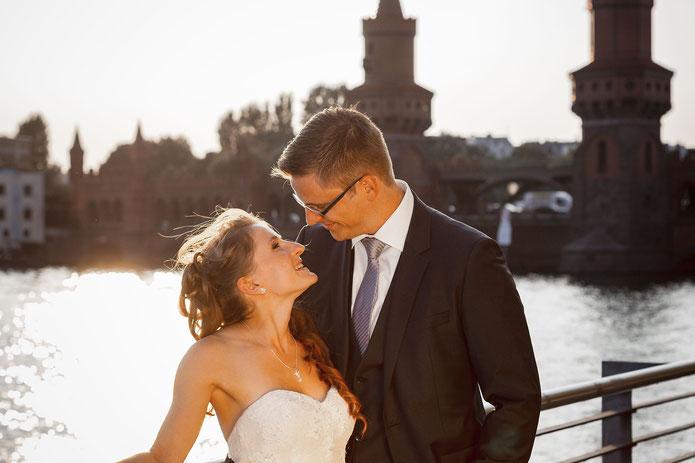 Hochzeitsfotos an der Oberbaumbrücke Berlin