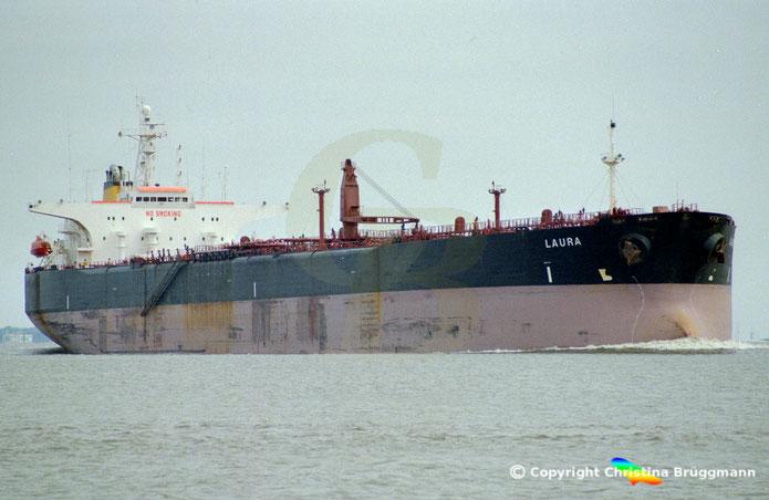 Öltanker LAURA,