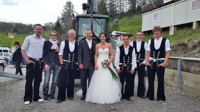 Hochzeit von unserem Polier Nino Kunfermann mit Ladina Tscharner