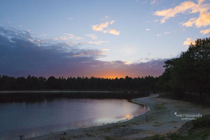 Start van een kleurrijke zonsondergang, Natuurgebied Den Treek Leusden