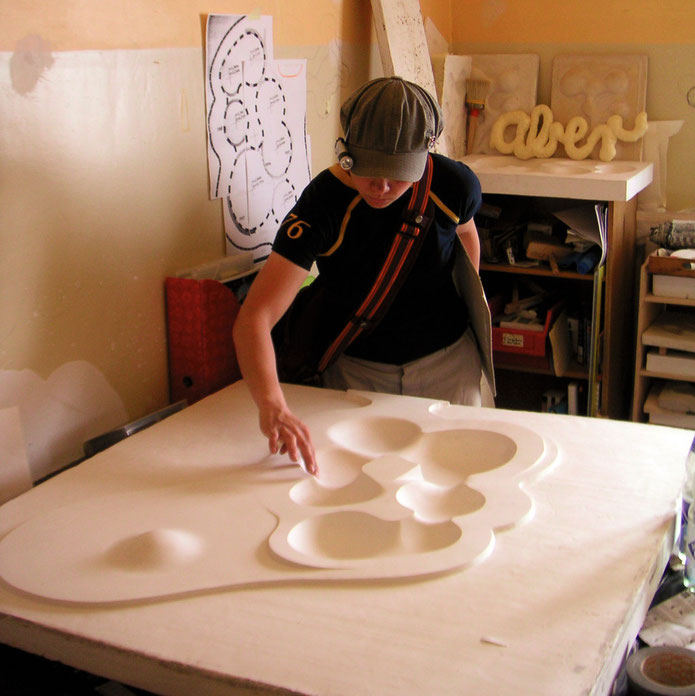 aktionsbaustelle skate amoebe, studioview. plaster model for a public performance to build a 1:1 model of a skatepark sculpture, as part of the transportale berlin 2003