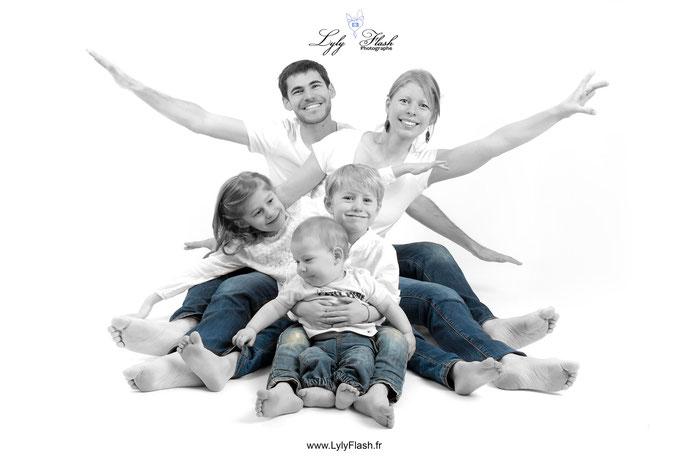 photographe bébé et famille  en studio photo dans le var