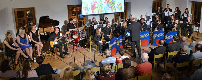 Herbstkonzert der Bigband Nandlstadt im Pfarrsaal am 21.11.2015