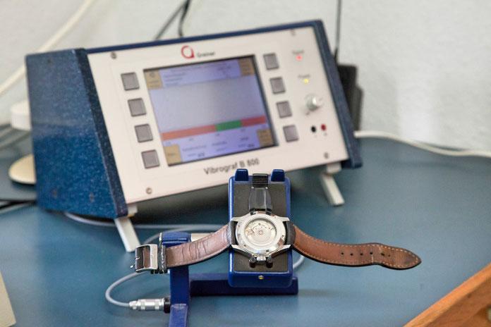 Digitale Zeitwaage mit Schwingungsweitenmesser