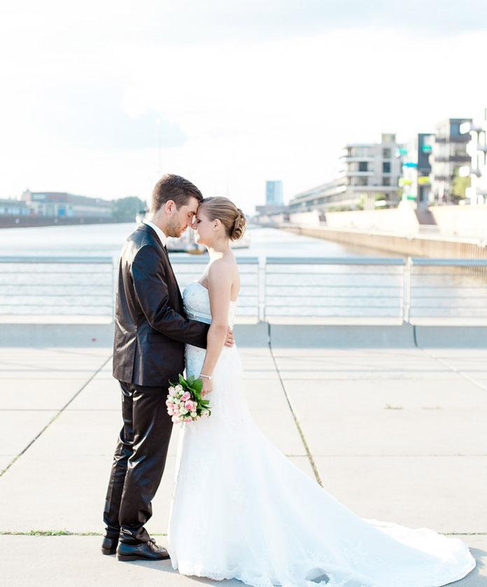 Hochzeit, wedding, Braut, bride, Hochzeit Bremen, wedding Bremen, Hochzeitsfotografie, Hochzeitsfotograf, weddingphotograph, weddingdress, Brautkleid,  Bremen Überseestadt, Sabine Lange, Biene-photoart