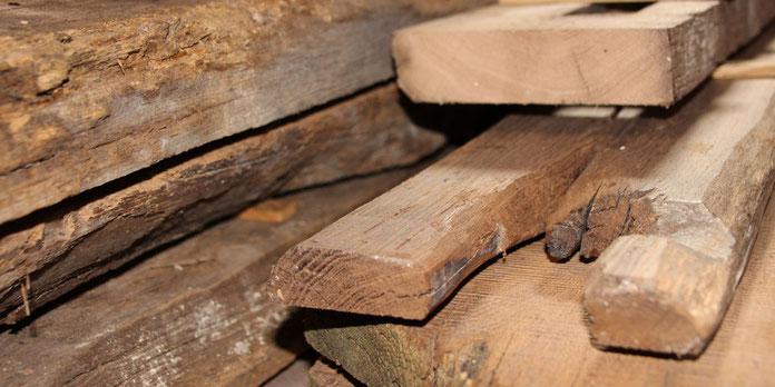 Altholz aus Eichenbalken