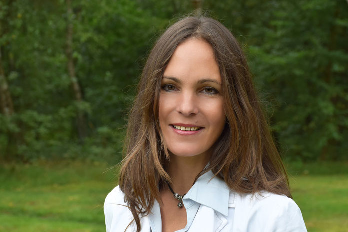 Annabell Krämer, Fraktionsvorsitzende der Freien Demokraten in der Ratsversammlung, wirft Bürgermeister Köppl (CDU) Zahlenspielerei vor.