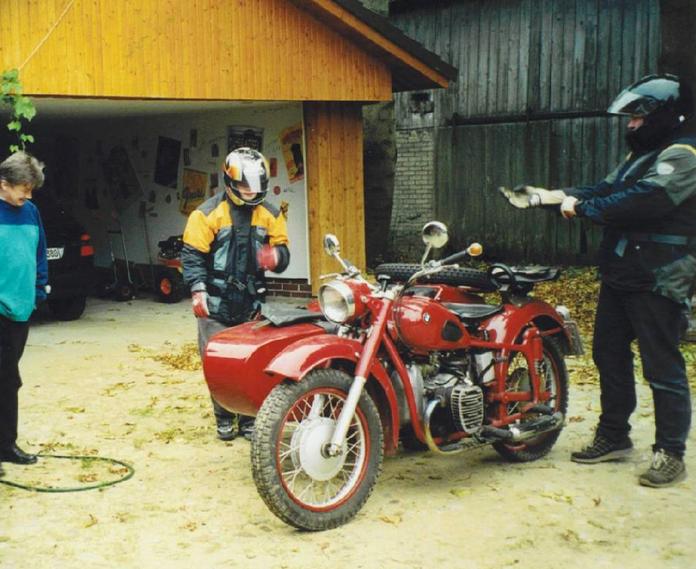 Oliver Sievers auf Motorradtour im Beiwagen